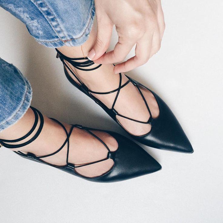 Black lace-up flats www.liketk.it/1DzuZ