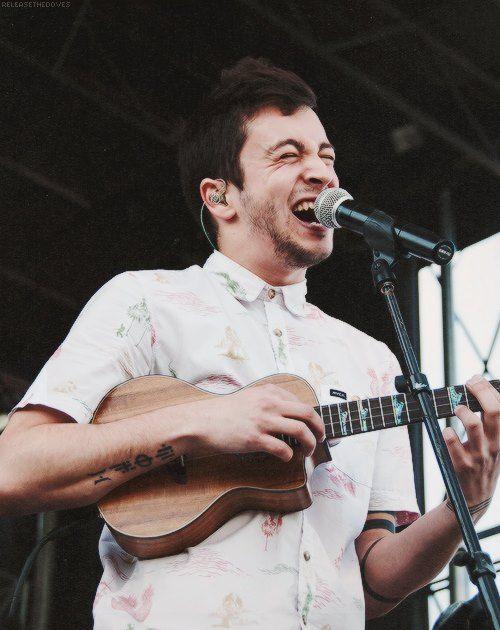Weird ukulele playing rap singing dude