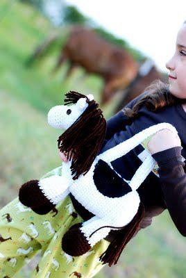 Crochet*D*Lane: Baby The Pretty Pony Purse free pattern here:  http://www.crochetville.org/forum/showthread.php?t=65106