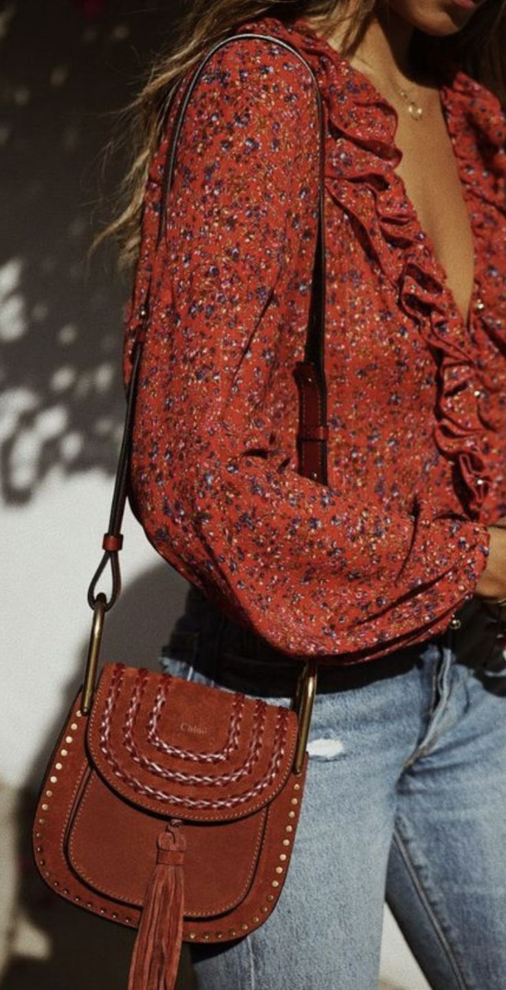 ruffle floral blouse + levis skinny jeans + chloe hudson red suede crossbody  bag   fall outfit ideas for women   best casual everyday outfits for fall  and ... 2d4b3e7b98