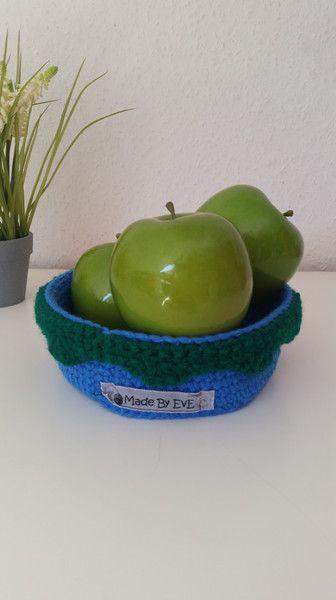 Utensilos & Stoffkörbchen - Körbchen Borte S gehäkelt azur/gras Utensilo - ein Designerstück von EvE-Paris bei DaWanda