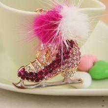 Мода кристаллический коньках обуви сплава мех мяч брелок автомобильные аксессуары женщины брелки брелоки марка сумка подвески PWK0094(China (Mainland))