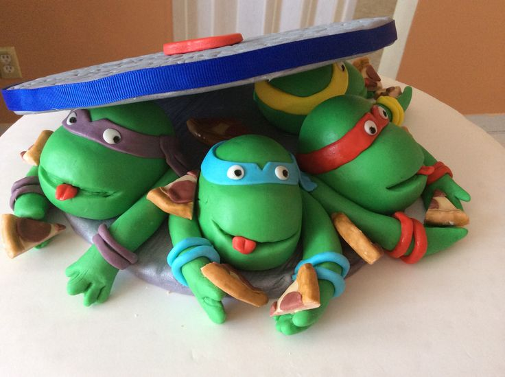 Turtle cake topper By: Laurent Pena