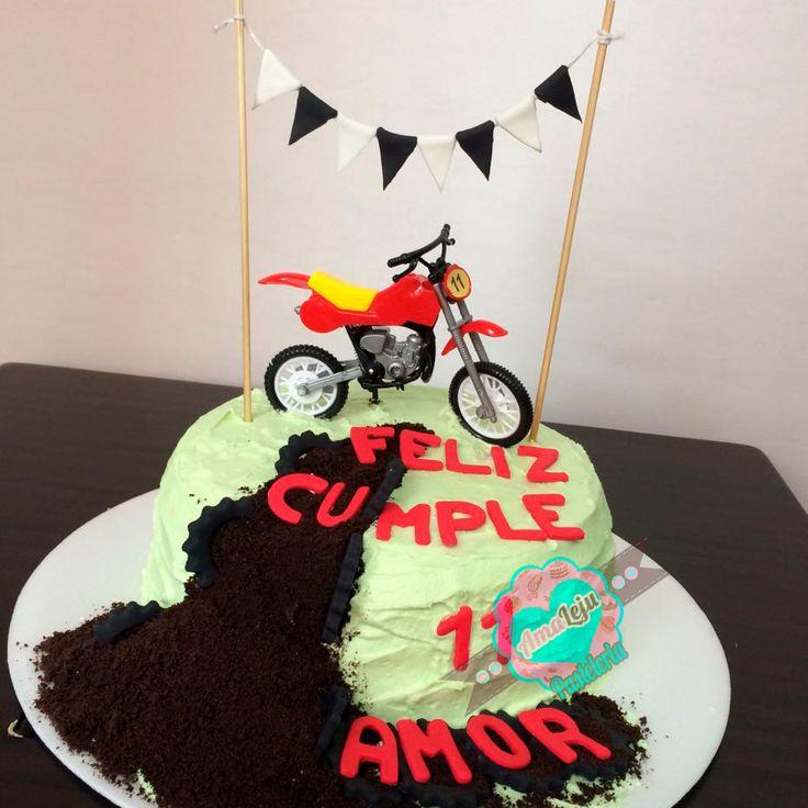 Torta Moto Realiza tu pedido por; https://goo.gl/mvYBYv WhatsApp: 3058556189, fijo 8374484  correo info@amaleju.com.co Síguenos en Twitter: @amaleju / Instagram: AmaLeju