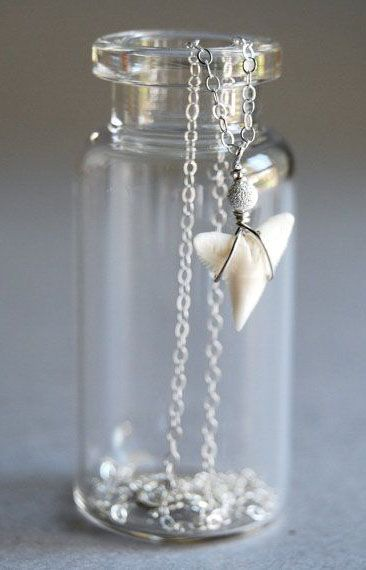 Mano Jr. necklace - tiny sterling silver shark tooth necklace