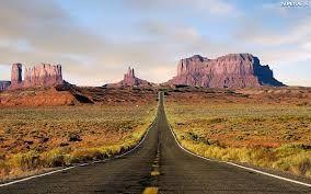 Charakterystyczny element USA - Ogromnej długości drogi przez pustkowia