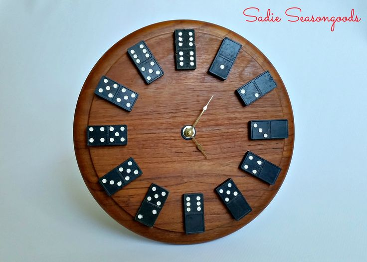 How perfect is this thrifted cutting board / cheese board as the backdrop of a fun domino clock?! Vintage wooden dominoes come to life with this super easy, super awesome project. Perfect for a game room, den, or a gift to a gamer! #sadieseasongoods
