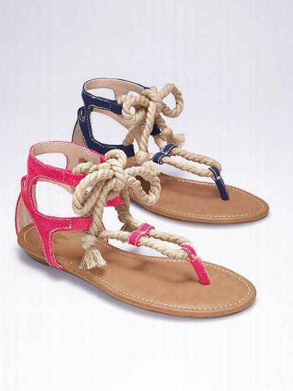 Rope-tie sandal