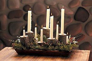 Table centerpiece: Christmas Dinners, Rustic Candles, Rustic Centerpiece, Christmas Centerpieces, Rustic Table, Christmas Tables, Candles Holders, Candles Centerpieces, Christmas Candles