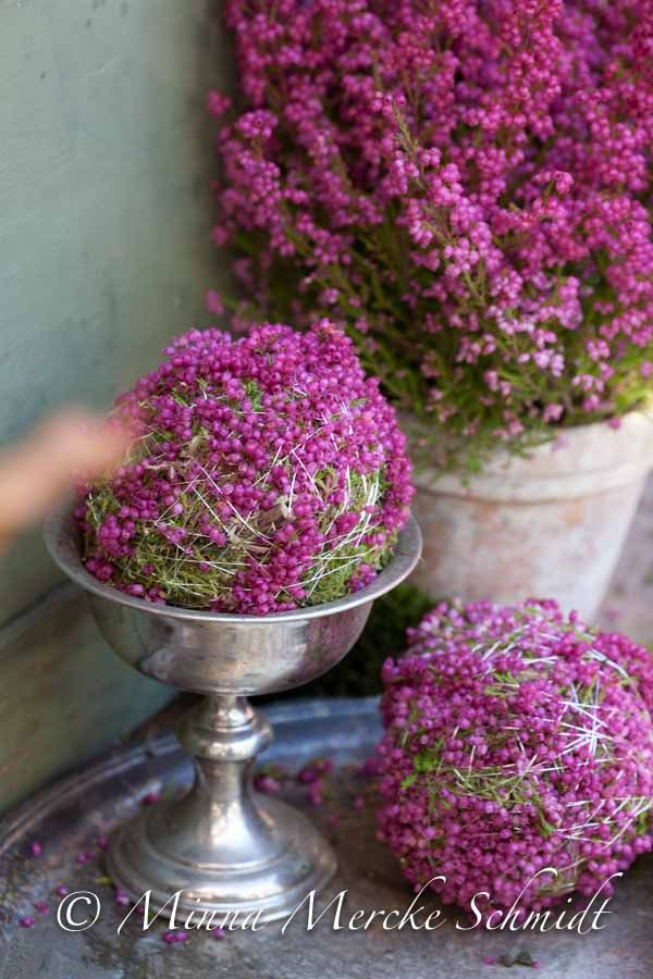 Beautiful heather-and-moss-balls by the amazing Minna Mercke Schmidt.