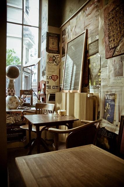 Le Loir Dans La Théière, 3 Rue Des Rosiers, 75004 Paris