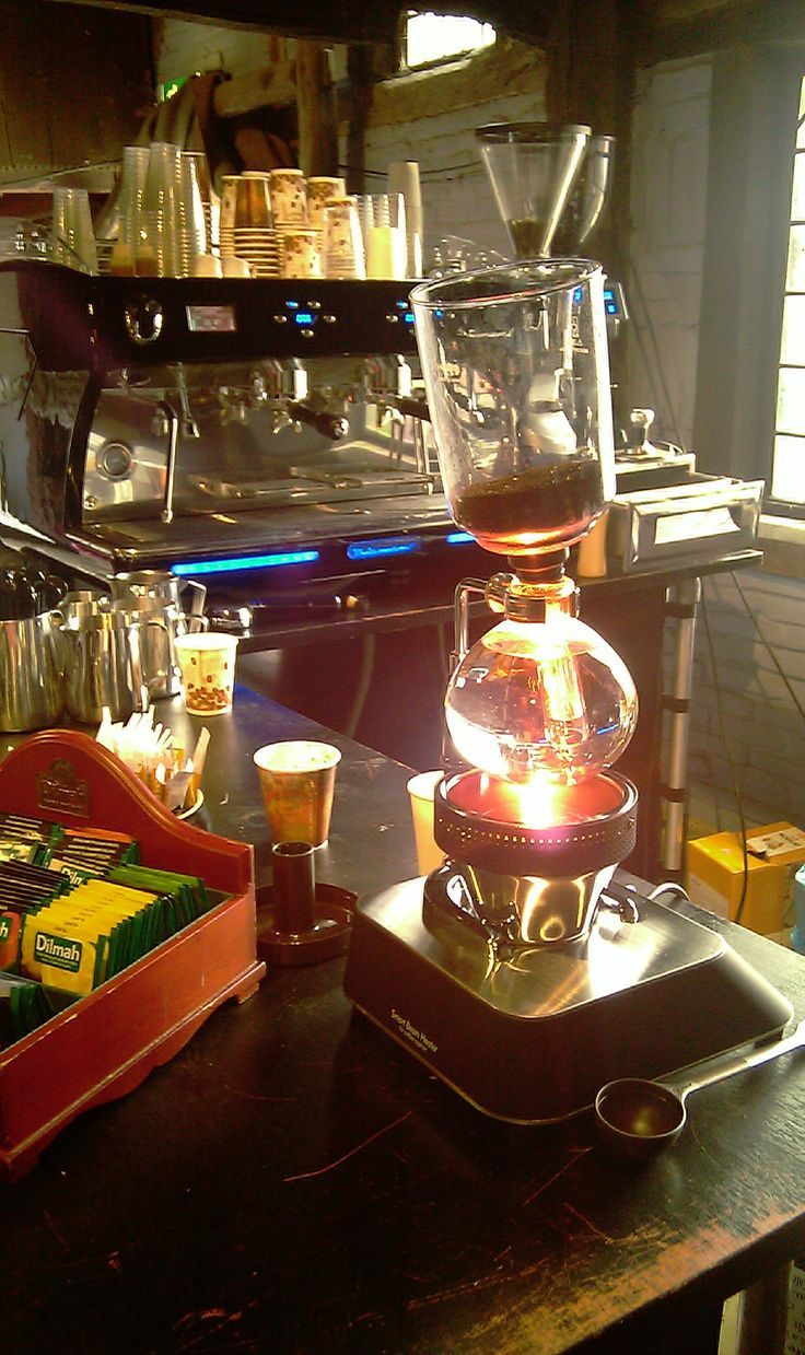 Slow coffee demo met Hario beamer @Rijksmuseum Twente