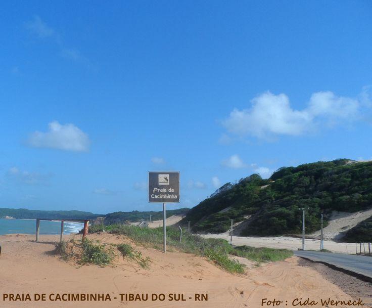 Praia da Cacimbinha, Tibau do Sul, Rio Grande do Norte,BR. Bela praia, propícia à prática de esportes como o surf. Foto : Cida Werneck