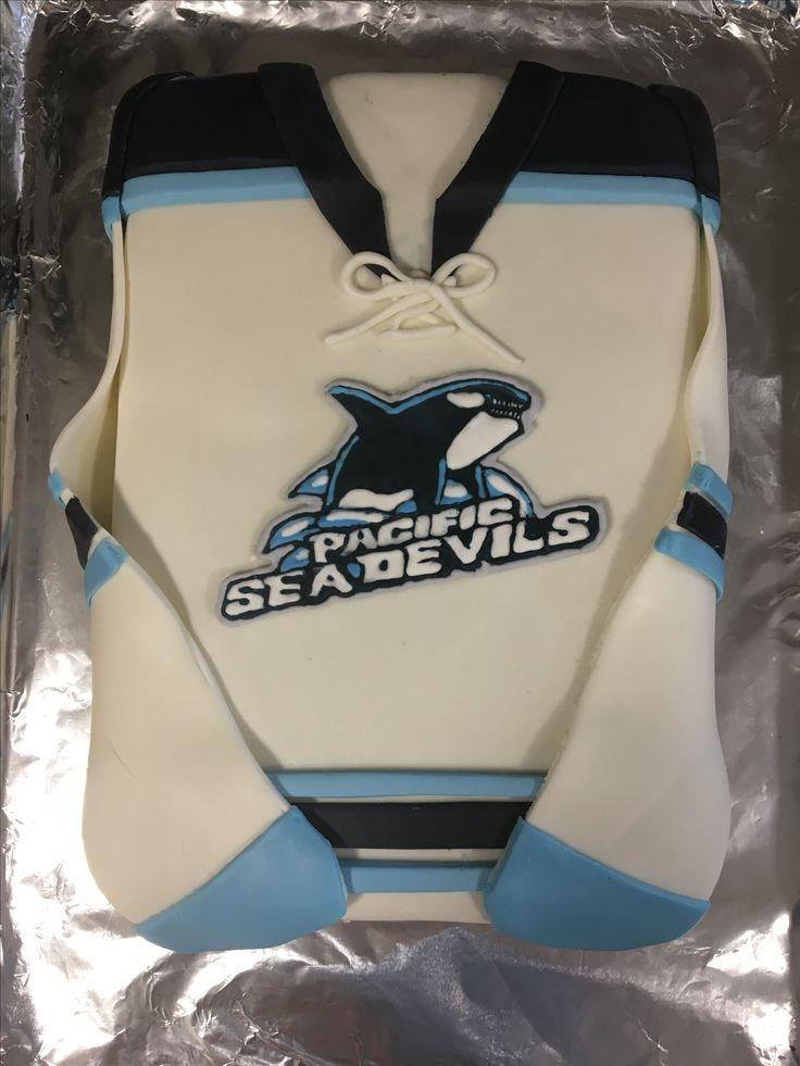 Hockey jersey cake