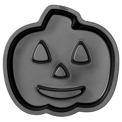 Jack O Lantern Cake Pan by Wilton