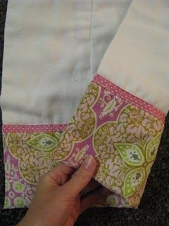 Two-Sided Burp Cloth Tutorial.  Great gift idea for baby showers.  Courtesy of Create Studio.