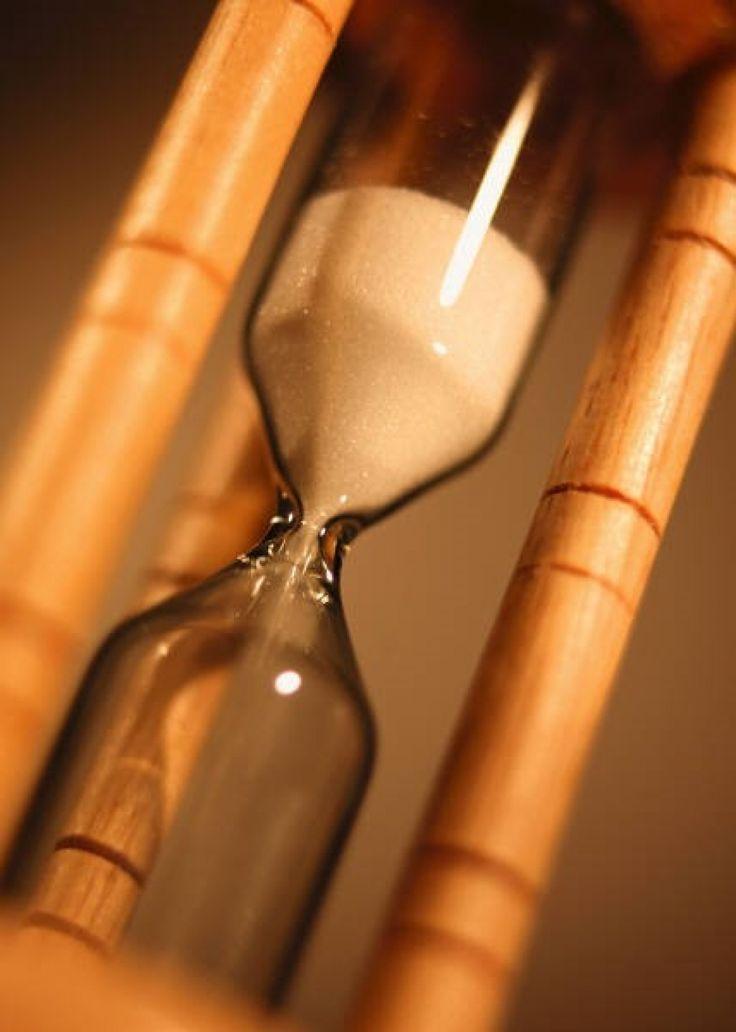 FudeNaS Similar a un reloj de arena El reloj es la carrera Los ciclistas son los granos Del mismo modo...