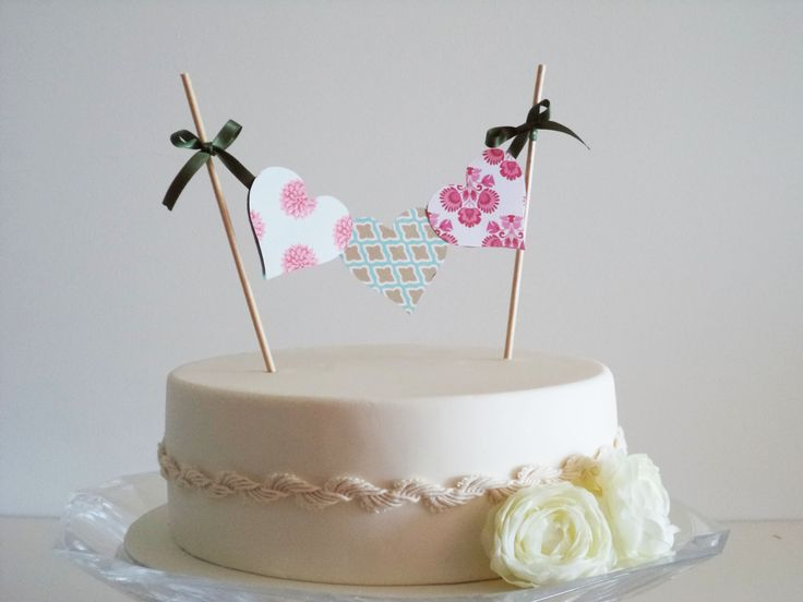 Paper hearts cake topper