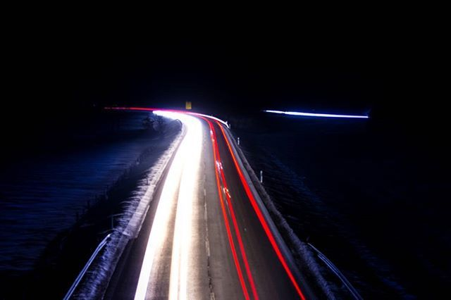#Langzeitbelichtung  #brücke  #lights #night #amateur  #hobbyfotografie  #arschkalt  #auto #street #Bavaria Sindelsdorf #Penzberg