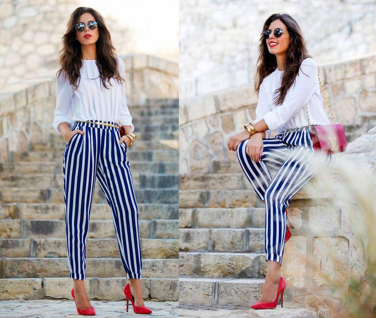 Increíble el outfit de nuestra blogger Silvia de 'UNA SILLA PARA MI BOLSO' que luce impecable la blusa tableada!  Puedes vestir así de perfecta, consigue la tuya aquí > http://www.colettemoda.com/producto/blusa-blanca-tablas/