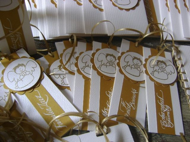 Recordatorios de Primera Comunión, personalizados y hechos a mano, marcados en caligrafía hecha a mano con pluma. Diseños Marta Correa Blog: disenosmartacorrea.blogspot.com Celular: 321 643 63 84  Envigado Antioquia Colombia