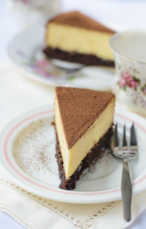 Lisa's Lemony Kitchen ....: Brownie based New York Cheesecake