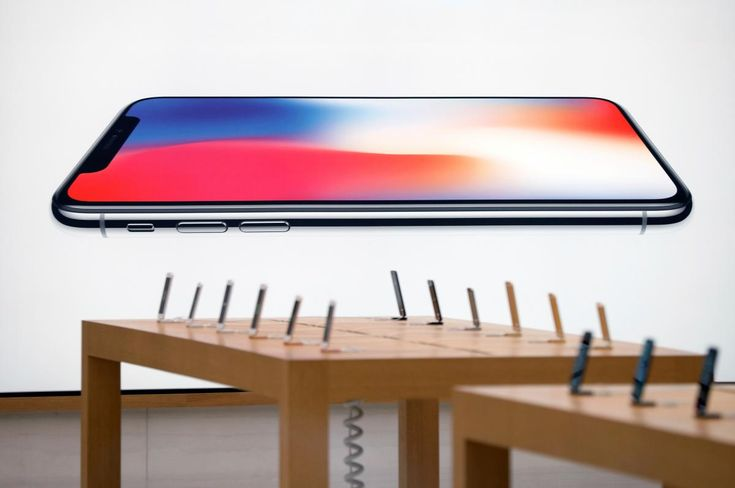 Apple's iPhone X has higher margin than iPhone 8: analysis --   Apple Inc's new flagship iPhone X makes the company more money per phone than its iPhone 8 model, according to an analysis, which found the iPhone X's flashier parts cost Apple 25 percent more than the iPhone 8, but that it retailed 43 percent higher.