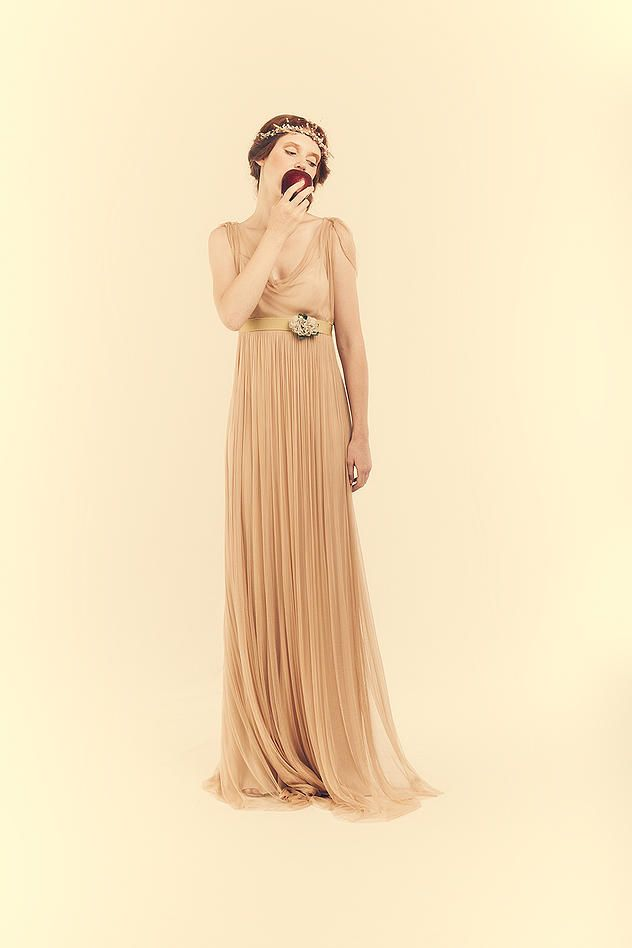 Live your Italian tailor-made shopping experience on ALTELIER.com   atelier yooj   modello 30 classic rose,abito da sposa milano