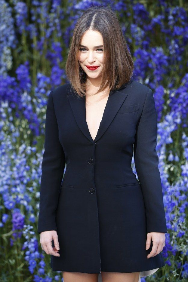 But all is as it should be again as Emilia Clarke (Daenerys) happened to be at Paris Fashion Week at the same time as Jason Momoa (Khal Drogo) this weekend.