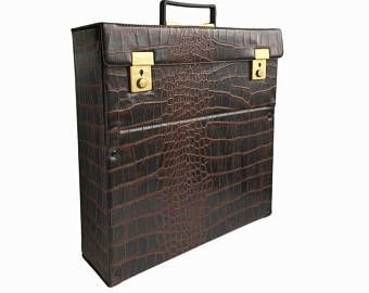 Vintage Vinyl Record Storage Lp Carrying Case Disc Mate Box Brown Faux Leather Crocodile Alligator Re Record Storage Lp Record Storage Vinyl Record Storage