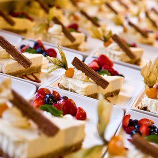 Vanilla Cheesecake with Summer Fruit Coulis. Summer wedding menu ideas. Birtsmorton Court  http://www.birtsmortoncourt.com