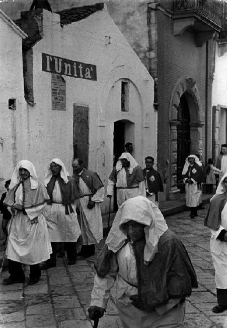 #ITALY. #Basilicata. Pisticci. 1951. Henri Cartier-Bresson