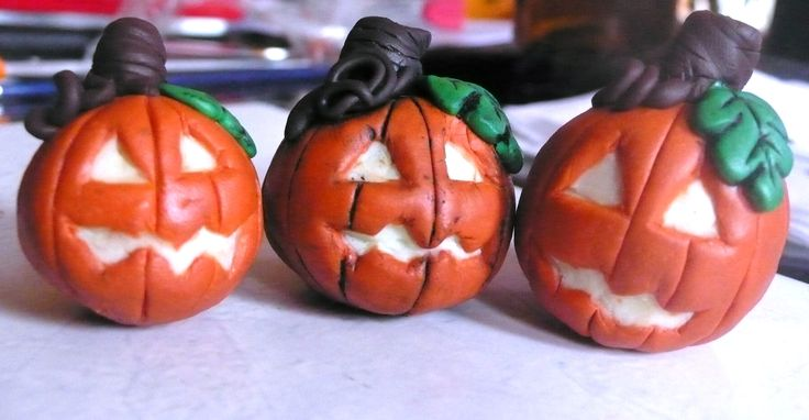 Halloween pumpkin lanterns - fluorescent polymer clay night glow