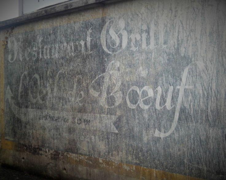 Publicité peinte Epernay,  rue Epernay, publicité peinte, mur peint Epernay, oeil de boeuf Epernay, restaurant Epernay, murs Epernay,