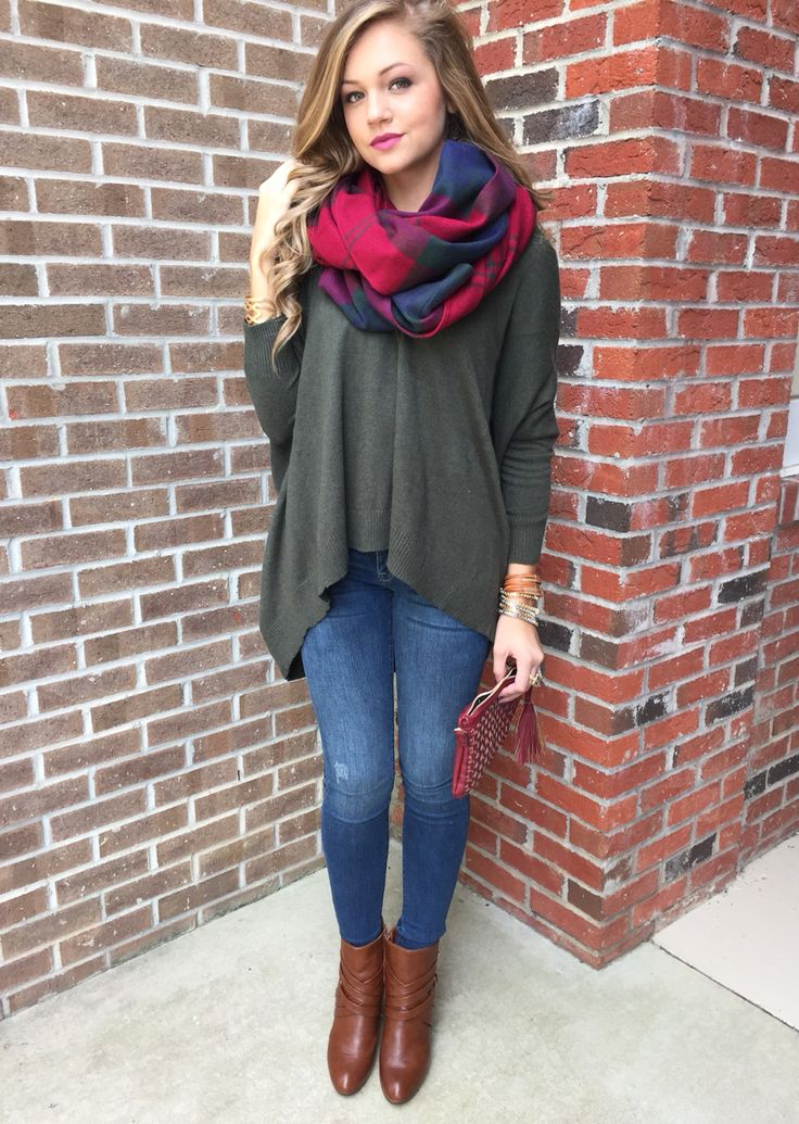 Love the richness of the colors,  speaks of fall fashion!  Love layering in the fall,  it makes me happy! Olive sweater, #swoonboutique
