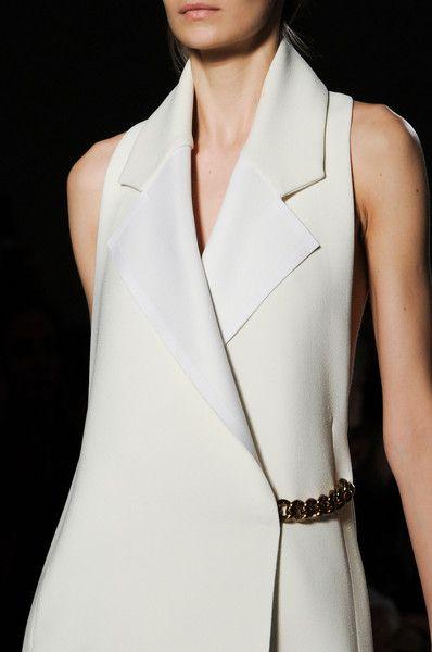 Le manteau portefeuille selon Victoria Beckham Fall 2014