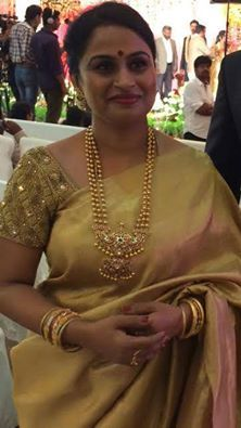gold combination designed & made for this lady with golden heart,she looks beautiful and elegant.... needle eye