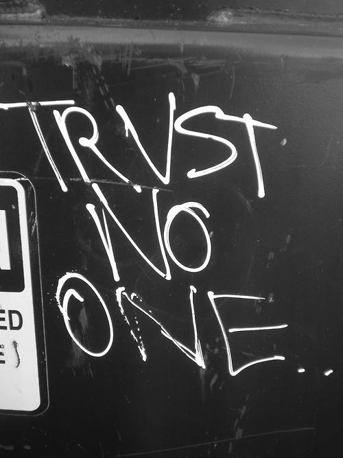 Resultado de imagen de trust no one tumblr