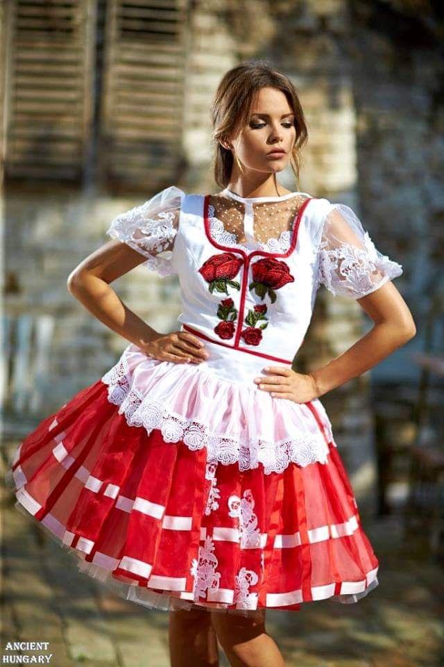 182fdf0669 Pin by Nikolett T on Beautiful dresses in 2019 | Traditional dresses,  Wedding dresses, Dresses