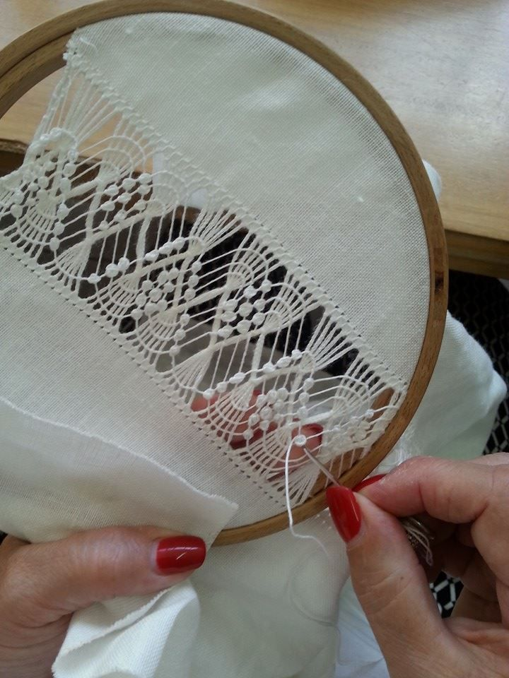 wow. what beautiful drawn-thread needlework!