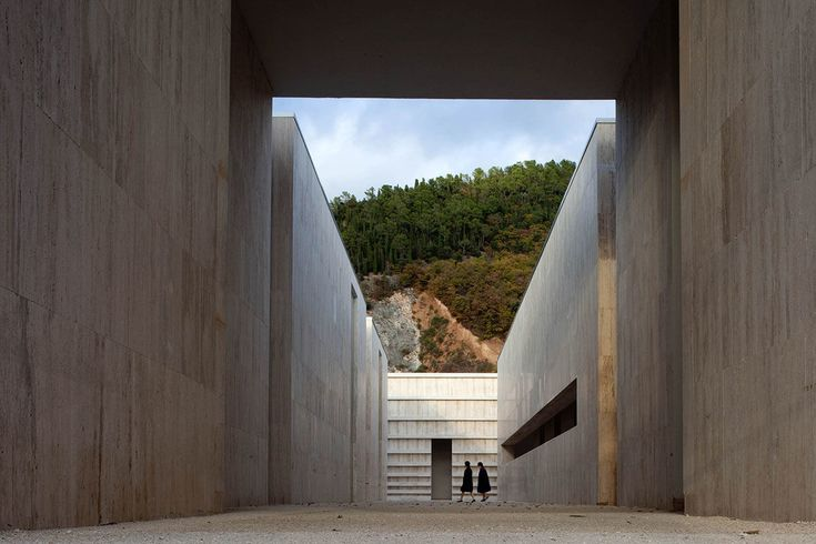 Andrea Dragoni, orsenigo_chemollo · Ampliamento del cimitero di Gubbio