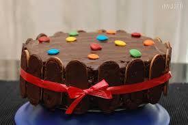 Resultado de imagem para tortas infantiles con golosinas sencillas
