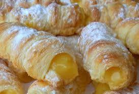 ¿Cómo se preparan las cañas con crema pastelera ? - #Receta #CremaPastelera http://elpostreperuano.blogspot.com/2013/06/como-se-preparan-las-canas-con-crema.html