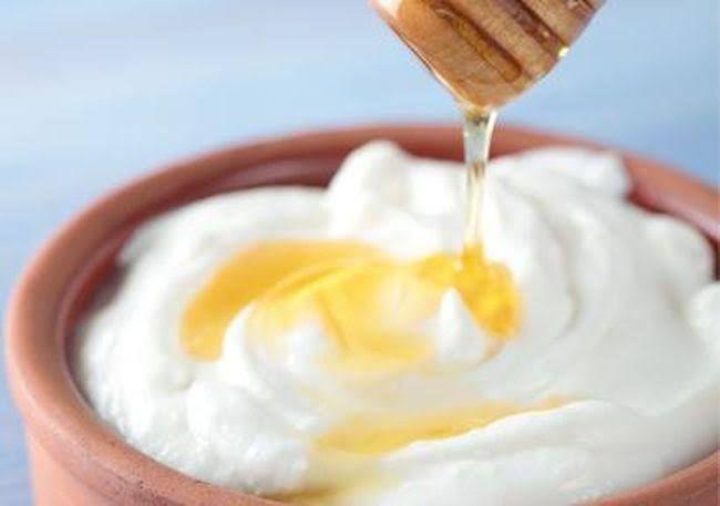 7 honey hair masks for moisturized natural hair