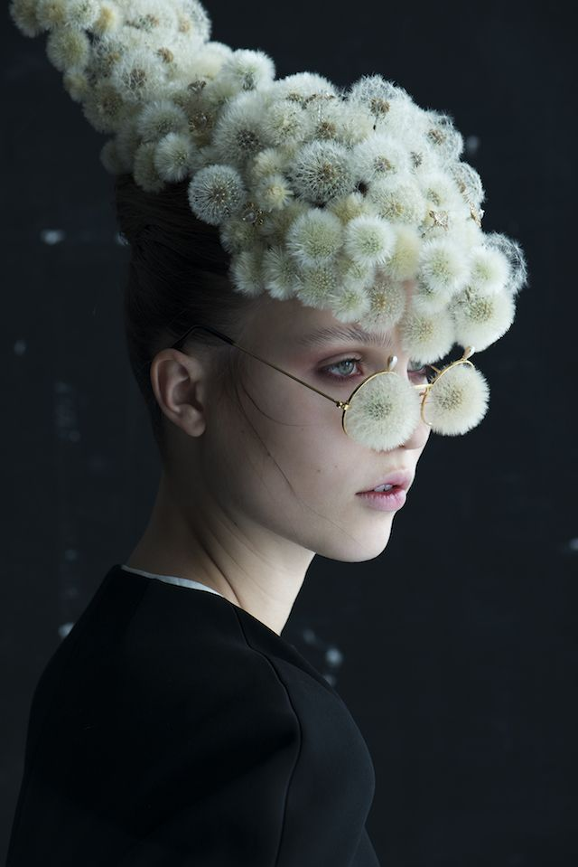 Flower artist Duy Anh Nhan Duc has collaborated with photographer Isabelle Chapuis