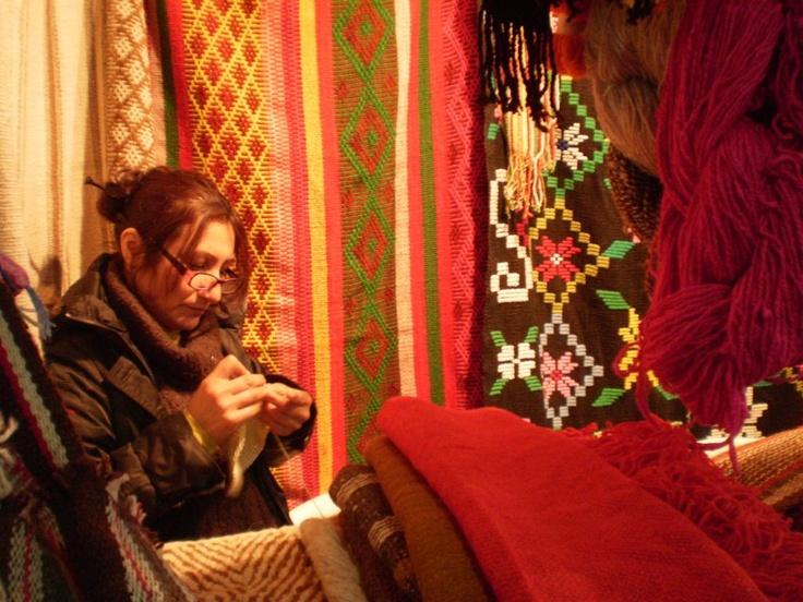 Tejidos en La Rural 2012. Más info de viajes en www.facebook.com/viajaportupais