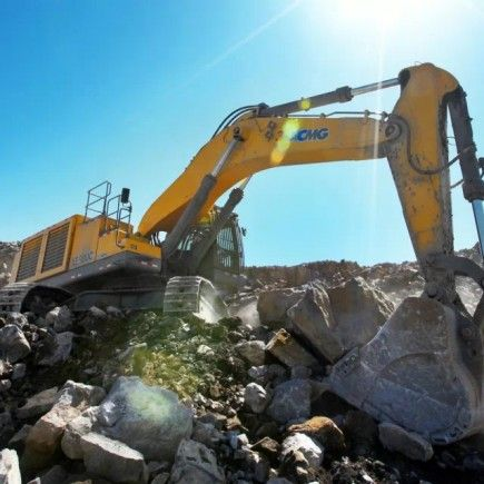 Here at Gold Bug Equipment, we have a range of excavators and mini excavator systems for sale. We offer an exclusive high quality excavator range on offer from the 21t machine up to the 90t machine, and our line of XCMG excavators