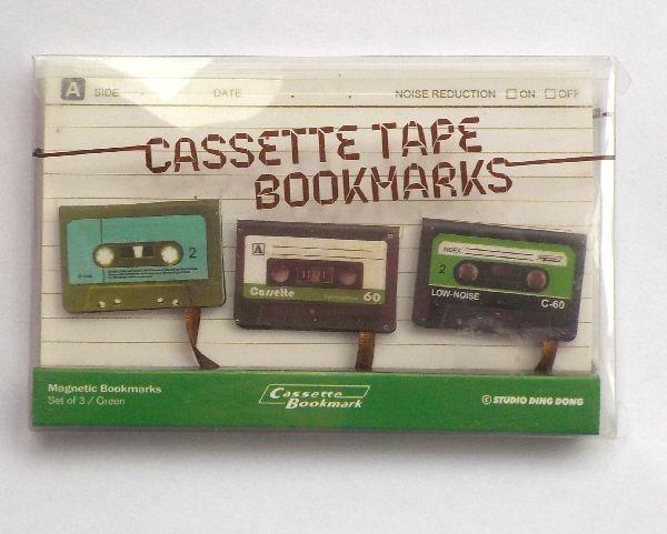Kirjanmerkki kasetit 2,90 e