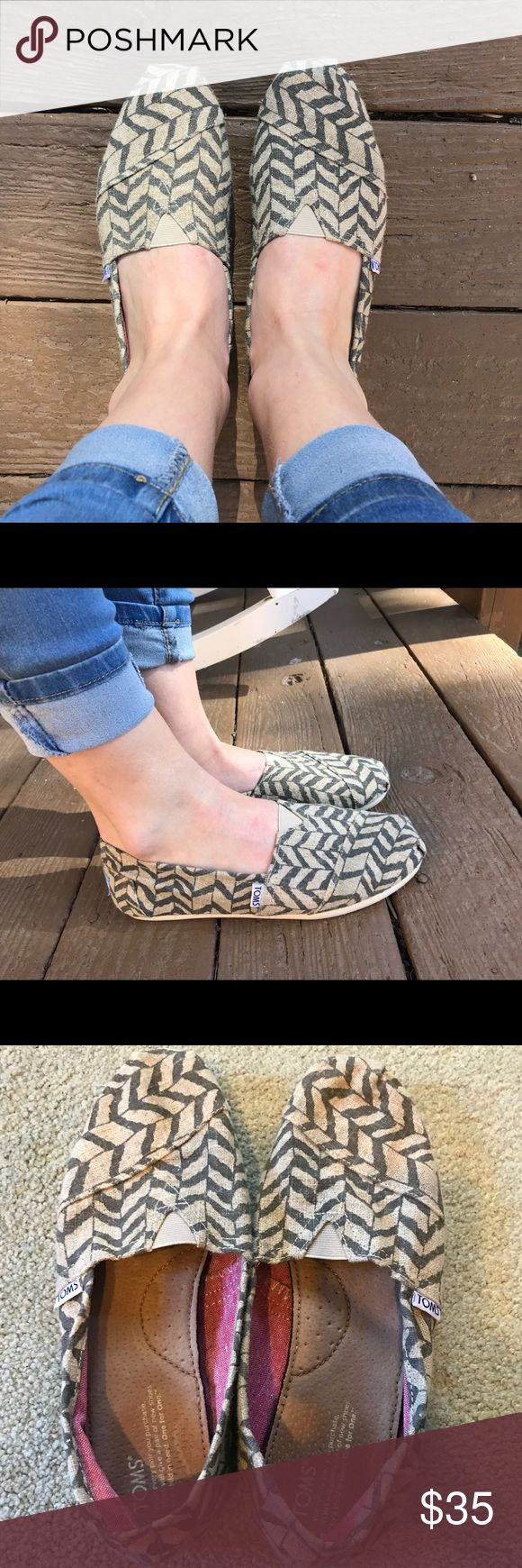 Burlap Chevron Tom's Like new! Only worn a couple times! Super comfortable and matches a lot of outfits. Toms Shoes