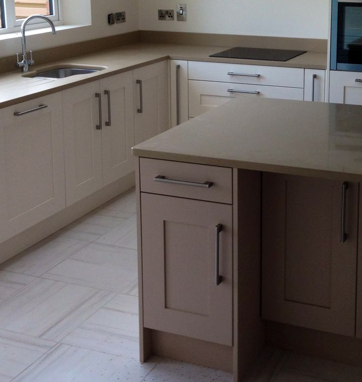 Shaker painted contemporary kitchen by Newhaven Kitchens, Carlow